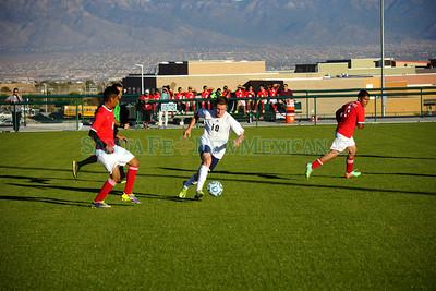 Hatch vs. Santa Fe Prep Class A-AAAA game in Albuquerque on Thursday, November 6, 2014. Photo by Luke E. Montavon/The New Mexican